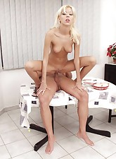Anal fucked blonde babe on..