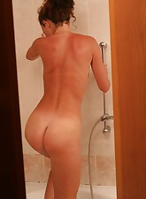 A little spying action with a hot blonde chick doing some solo stuff in the bathroom