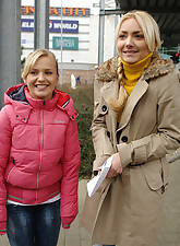 Two blond girls doing free..