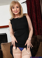 Hot mom Nina Hartley has..
