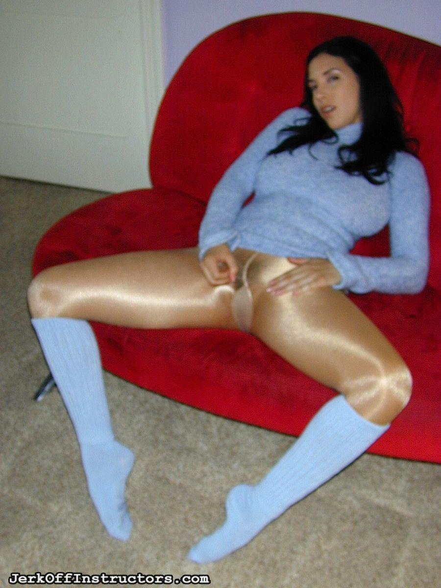 Her Pantyhose Onto 86